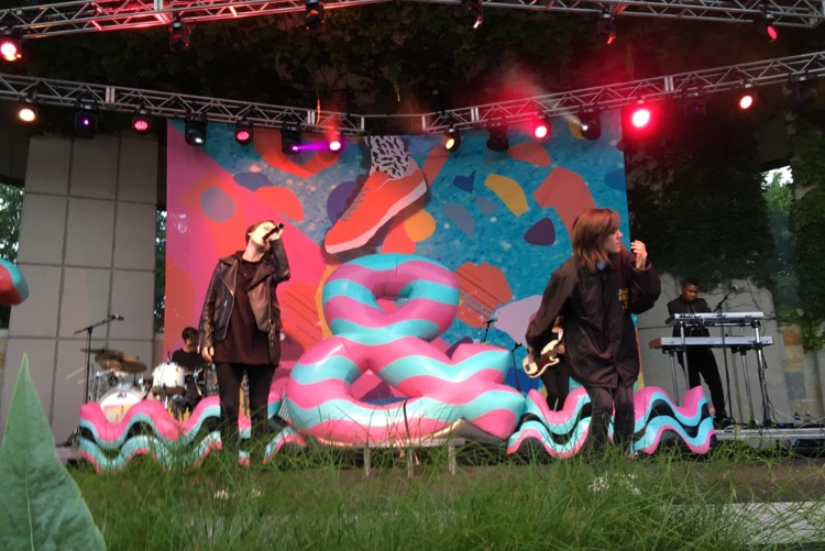 Tegan And Sara Bring Grand Rapids Community Together To Create Safe Space The Rapidian