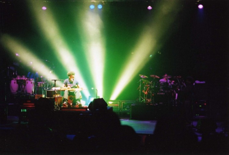 Ben Harper performs at Calvin College, 2000