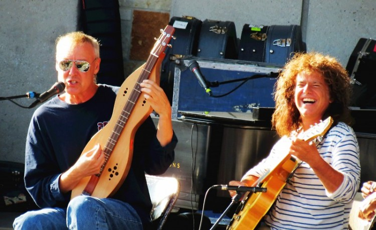 Bruce Hornsby (left) and Pat Metheny (right) perform at Meijer Gardens