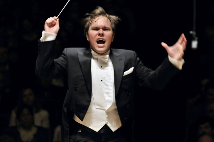 Marcelo Lehninger leads the Grand Rapids Symphony on April 21-22, 2016, in DeVos Performance Hall