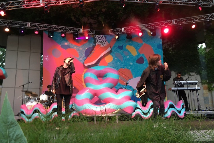 Tegan and sara bring grand rapids community together to create safe space the rapidian for Frederik meijer gardens concerts 2017