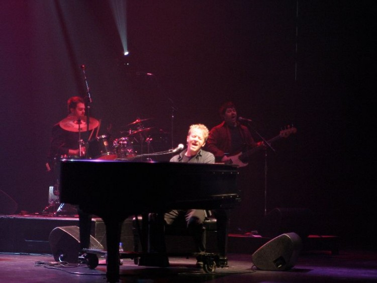 """Canadian pianist Jim Witter performs the music of Billy Joel and Elton John in """"The Piano Men."""""""
