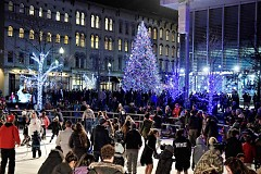 """Hundreds of people gathered at Rosa Parks Circle for the """"Light Up Downtown"""" Holiday lighting celebration"""