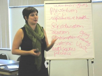 Dani Vilella conducting an advocacy training.