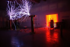 The Geek Group High Voltage Lab – Tesla Coil
