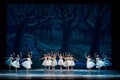 "The Snow Scene in Grand Rapids Ballet's ""The Nutcracker"""