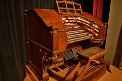 Mighty Wurlitzer Organ
