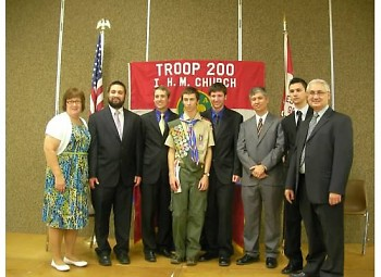 Nathan Iacopelli (4th from left), parents, and brothers