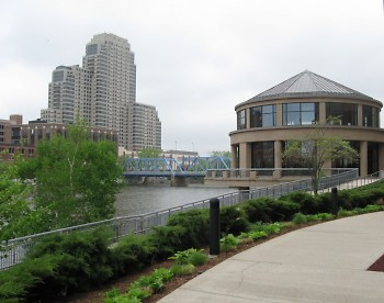 The Van Andel Museum and The Grand River.