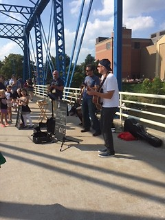 Lou Baron and the New Lovers on Blue Bridge