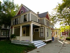 215 Warren, the property that Elizabeth and Charlie bought and rehabbed
