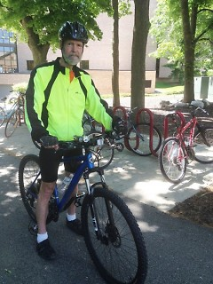 Dr. Thomas Jager has been commuting by bike for 40 years.