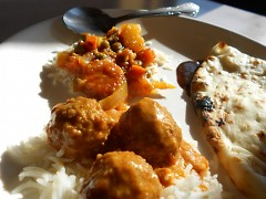 Pachraga subzi and meatball curry on rice beds with delicious fried nan