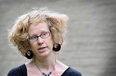 Tami VandenBerg, executive director, Well House announces the Kellogg grant