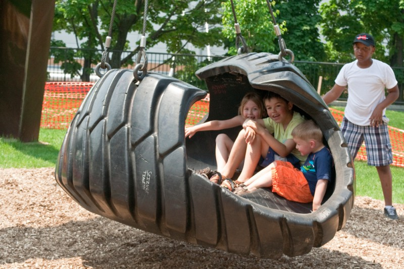 Motu viget mark di suvero tire swing the rapidian for Tire play structure